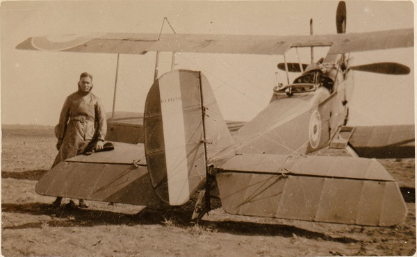 Sgt Clarke and his R.E.8, circa June 1917