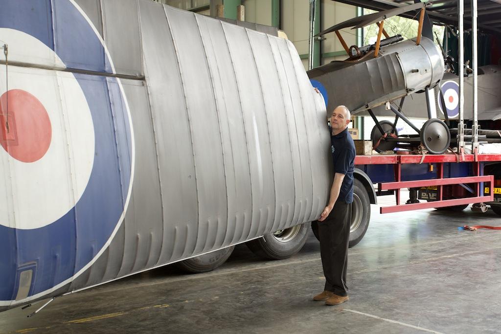 Unloading the First World War aircraft wings