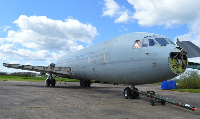 VC10 XR808 fuselage being prepared for the move to Cosford