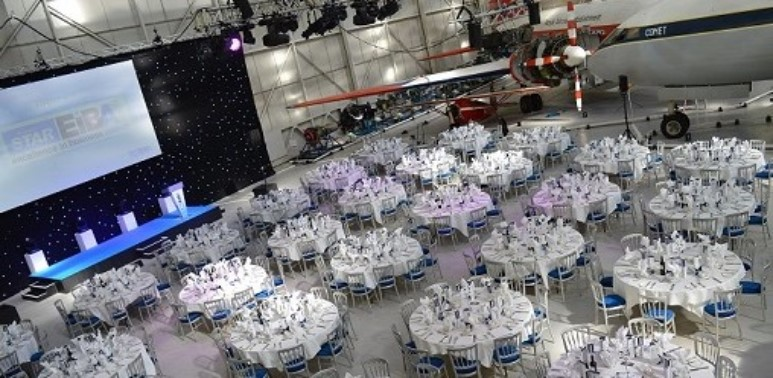 Dining_in_a_spectacular_venue