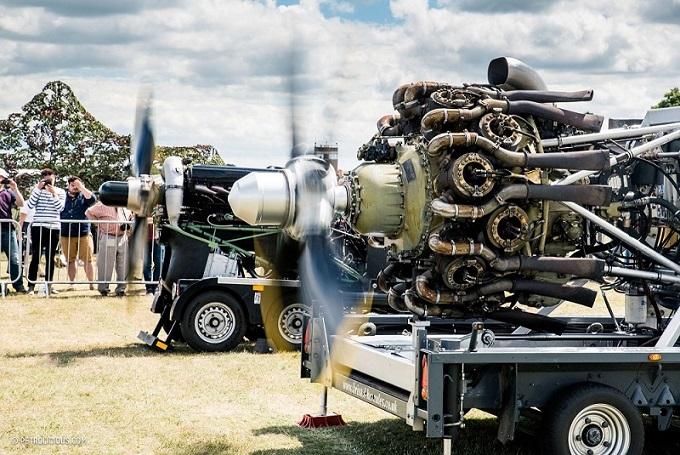 Rolls-Royce Merlin Mk500 and Bristol Hercules Mk216 demonstrations