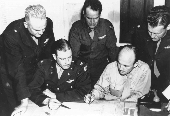 US officers with operational plans, 1944