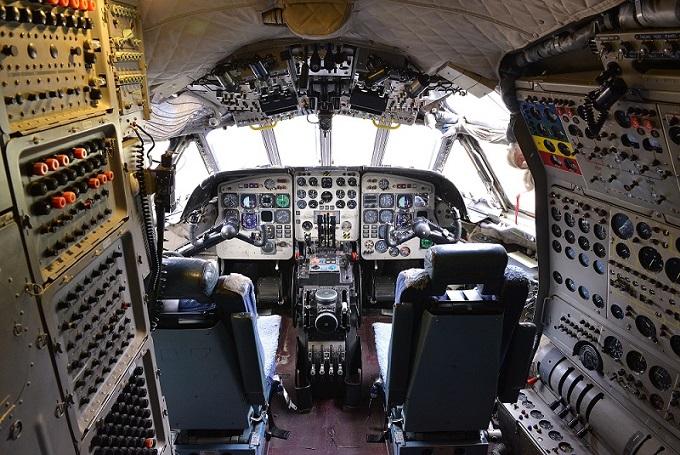 Hawker Siddeley Nimrod R.1 XV249 cockpit