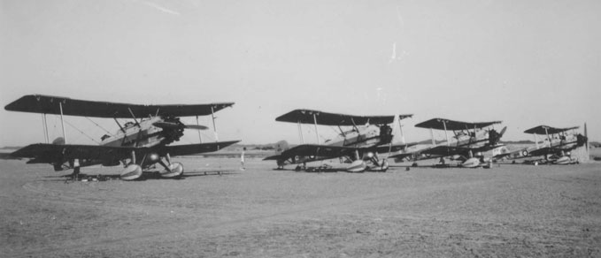 A row of Vickers Vincent of No. 84 Squadron at RAF Masirah in the 1930s