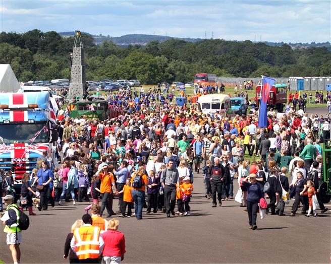 Thousands of visitors enjoy the sushine before the pageant begins