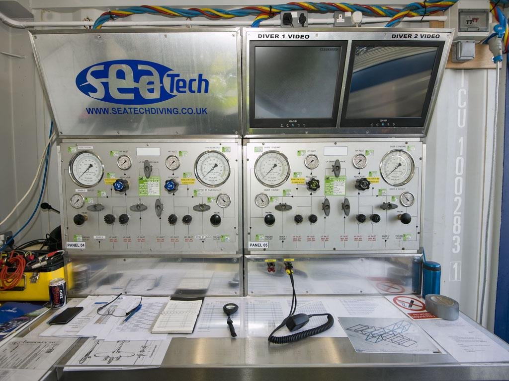 Seatech dive control centre - close up.