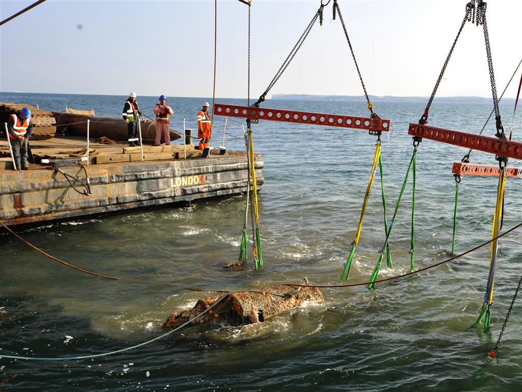 Dornier 17 first surfacing after more than 70 years on Goodwin Sands