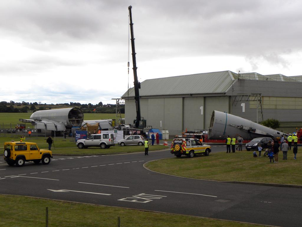 The remaining part of the fuselage arriving on site.