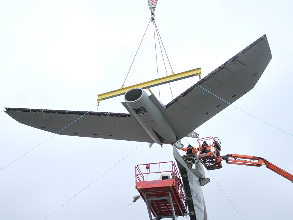 Removal of the VC10 tailplane.