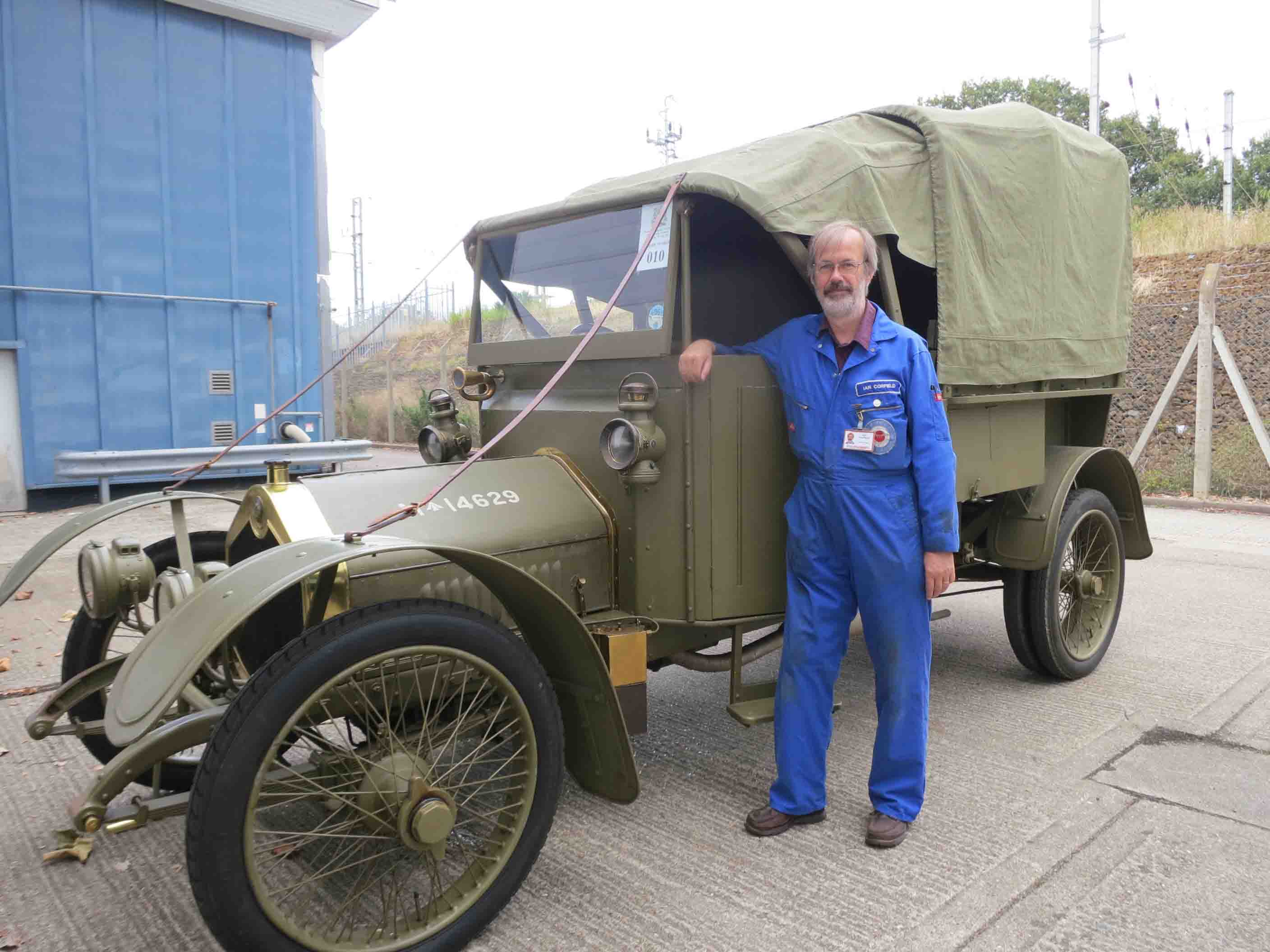 RAF Museum Volunteer wins 'Going the Extra Mile' Award