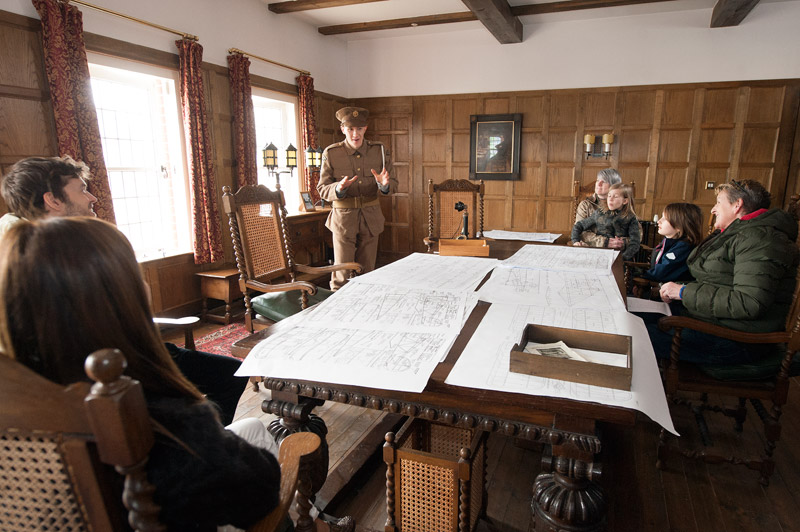 Learning how to fly with Claude Grahame-White in his office