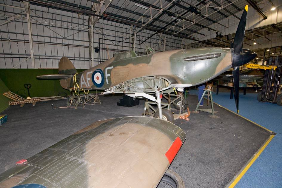 Survey the Hawker Hurricane 1