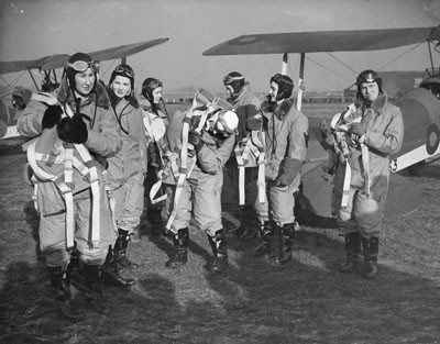 Women pilots at Hatfield