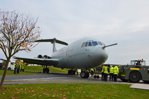 VC10 moving into display position